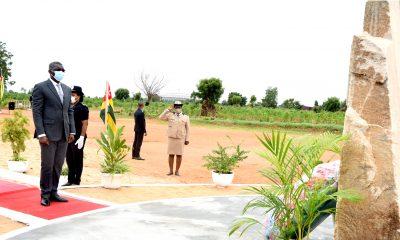 httpstogopressetgattaque-terroriste-du-23-septembre-le-ministre-de-la-securite-gal-yark-damehame-a-depose-au-nom-du-chef-de-letat-une-gerbe-de-fleurs-en-memoire-des-martyrs-a-lome